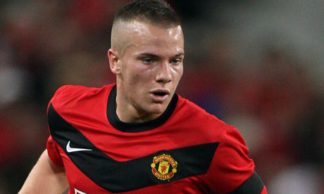 Tom Cleverley sent on season-long loan to Wigan