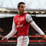 Robin Van Persie must choose Manchester United over City