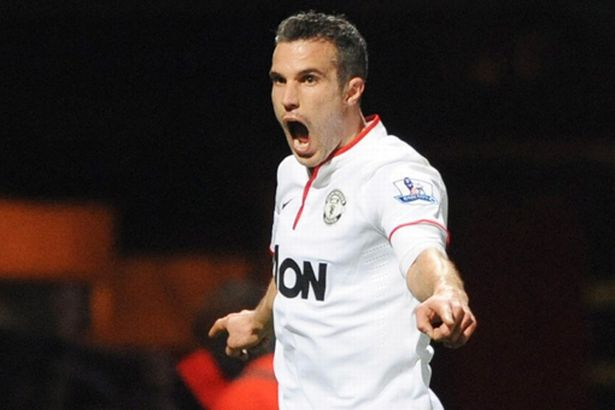 robin-van-persie-scores-west-ham