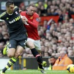 Manchester United 3-2 Stoke City: Hernandez seals win