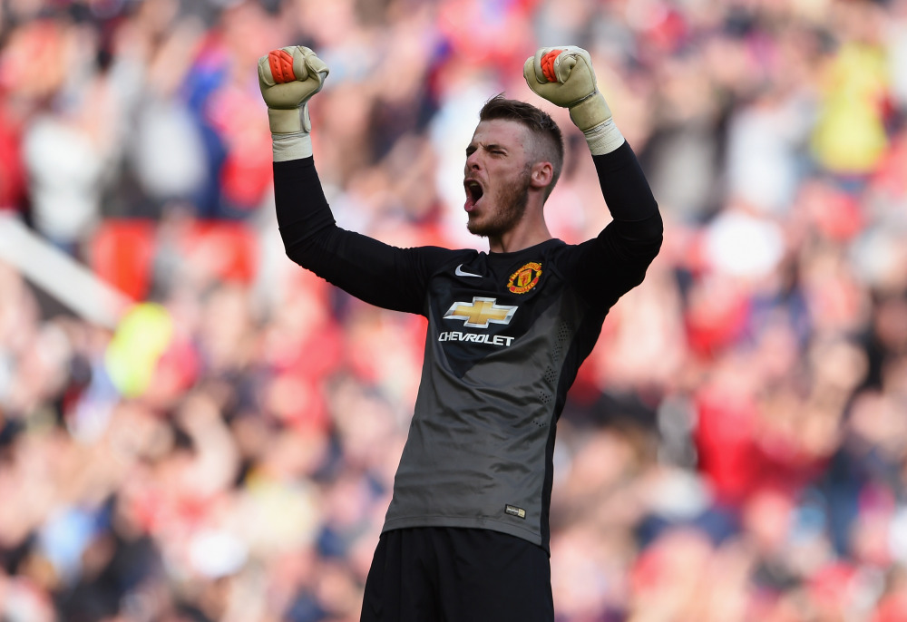 Manchester United should keep David De Gea for another season
