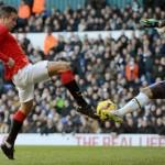 Hugo Lloris denies van Persie & Falcao as United draw 0-0