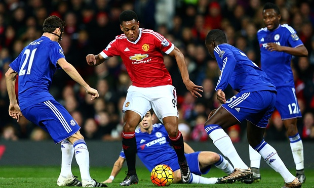 Anthony Martial takes on the Chelsea defence