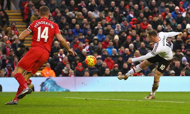 wayne-rooney-liverpool-goal-anfield