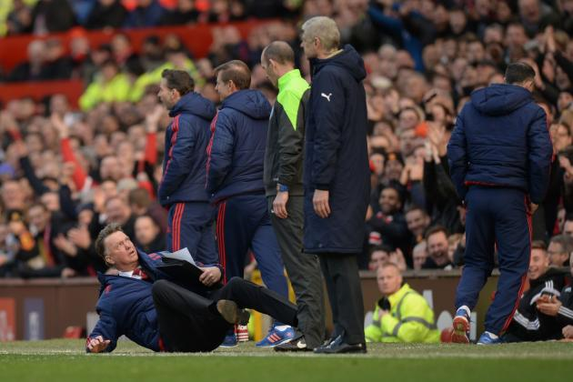 Louis Van Gaal dives against Arsenal