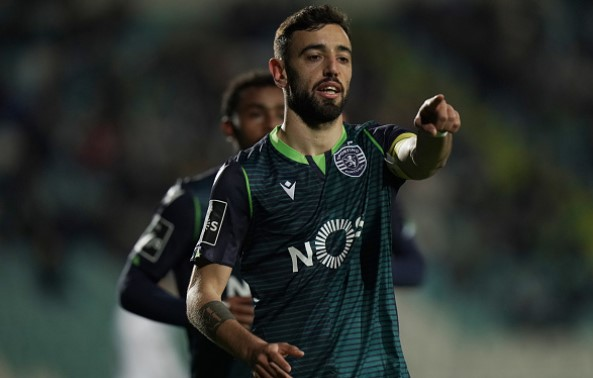 Manchester United haggling over Bruno Fernandes transfer fee