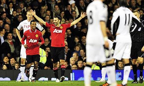 Ryan Giggs celebrates his goal against Fulham